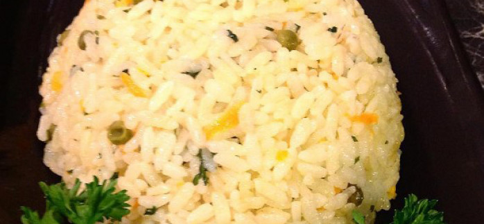 Bezelyeli Havuçlu Pirinç Pilavı