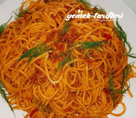 bolonez-soslu-makarna-450