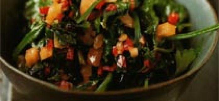 Kırmızı Biberli Sotelenmiş Ot Salatası