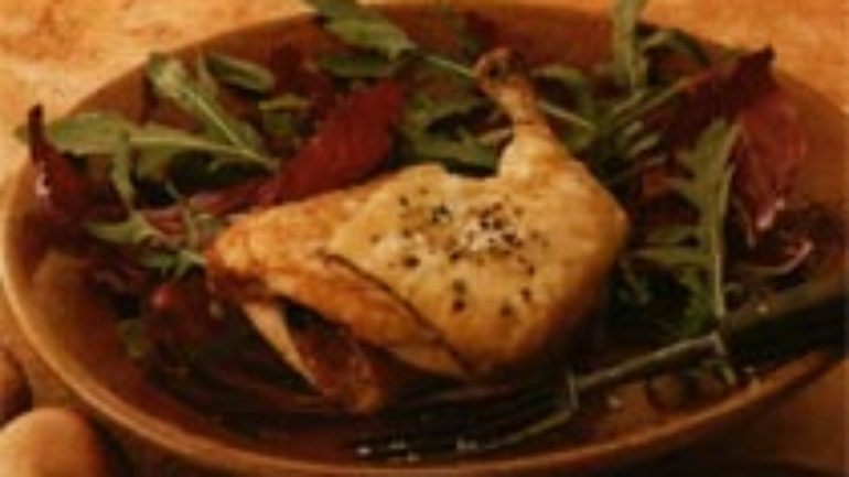 Peynirli Pastırmalı Tavuk Tarifi