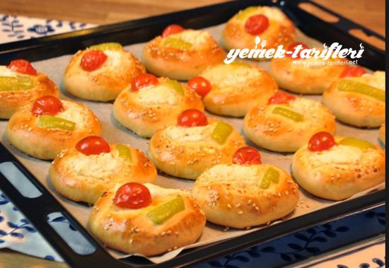 peynirli-biberli-domates-550