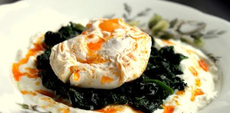 yoğurt soslu ıspanak