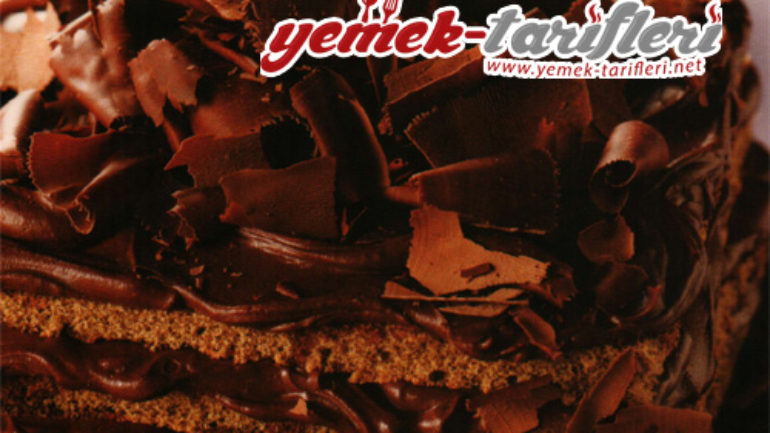 Bitter Çikolata Kremalı Kolay Pasta